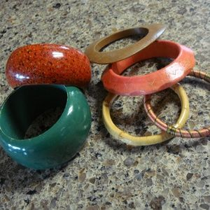 Jewelry - Lot of 6 Colorful Bangles